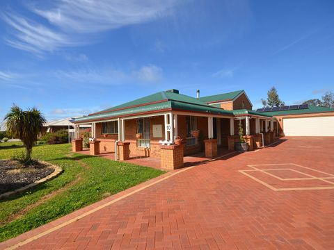 Moama, 10 Shiraz Court