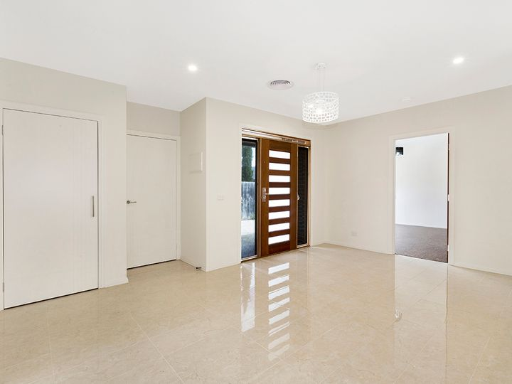 2B Forster Court, Bentleigh East, VIC