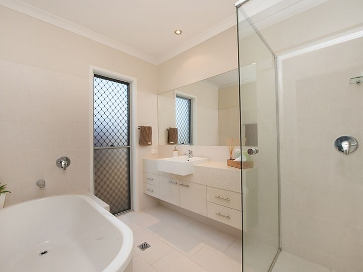21 The Promenade, Pelican Waters, QLD