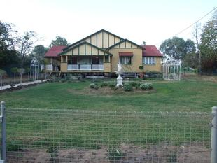 Quality Large Queenslander - Blackall