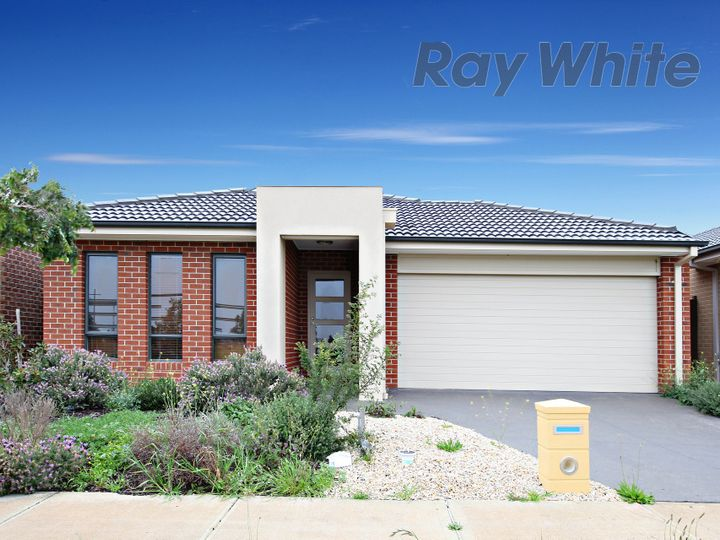 6 Kurunda Way, Point Cook, VIC