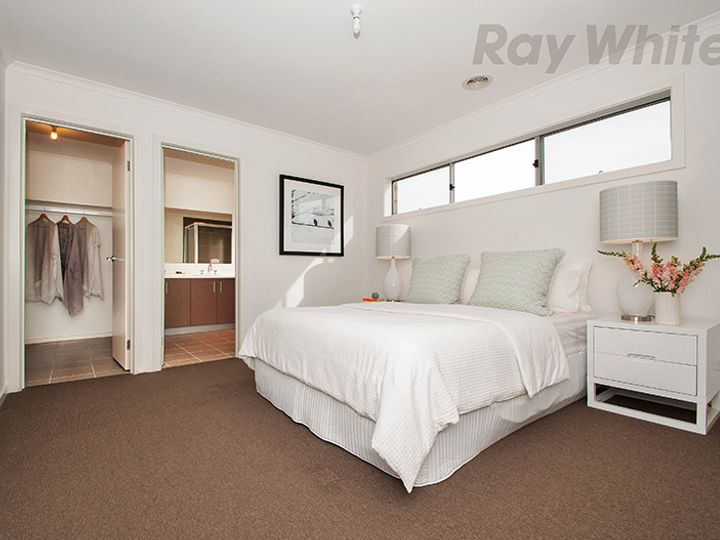 12 BAYVIEW Rise, Bayswater North, VIC