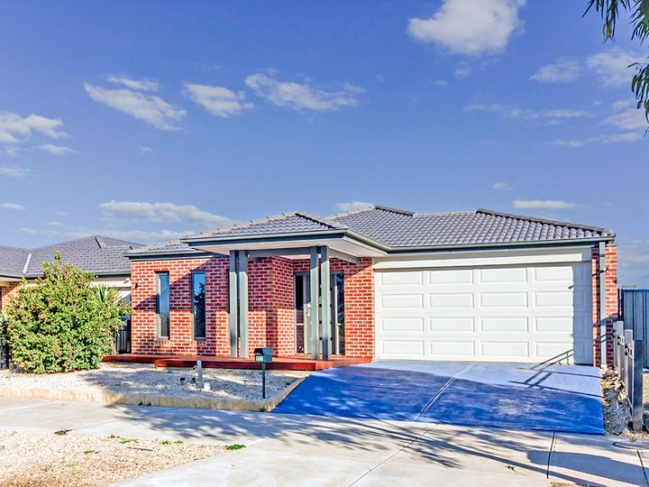 923 Leakes Road, Tarneit, VIC