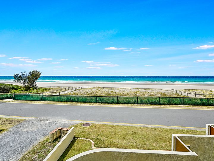 464 The Esplanade, Palm Beach, QLD