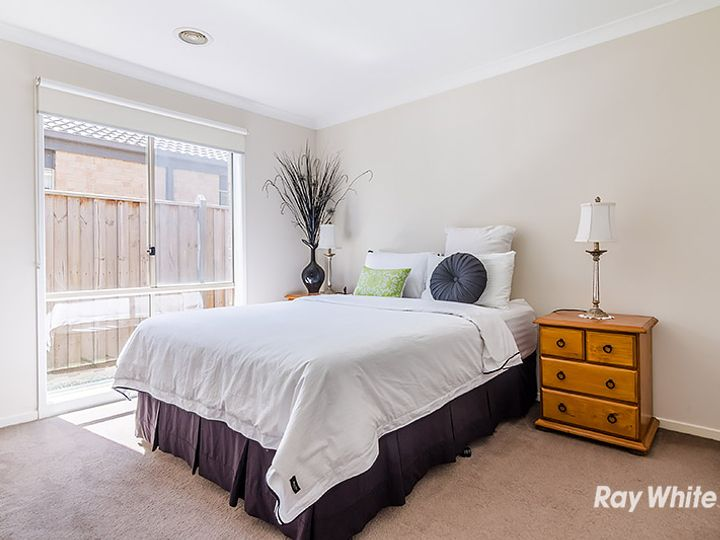 86 Mountainview Boulevard, Cranbourne North, VIC