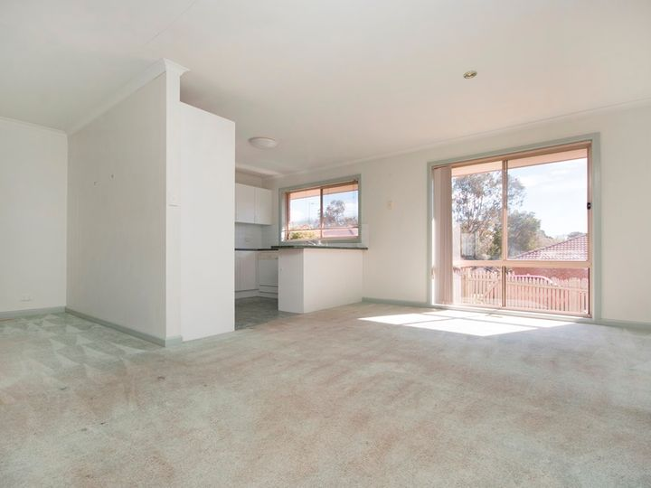 1/16-18 Bacchus Road, Mount Clear, VIC