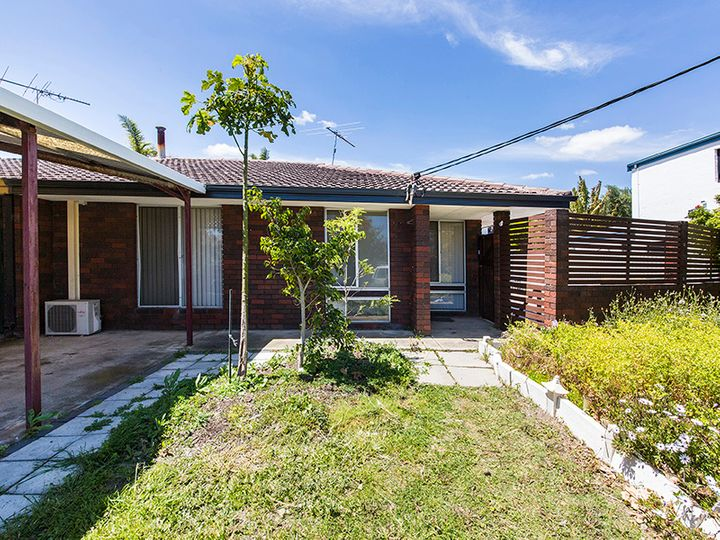 215b Waterford Drive, Hillarys, WA