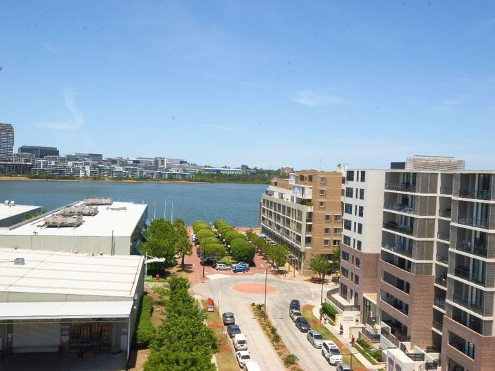 811 / 19 Baywater Drive, Wentworth Point, NSW