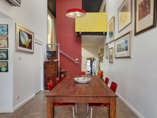 Sophisticated Gem With Private Alfresco Haven & RLA - Newtown