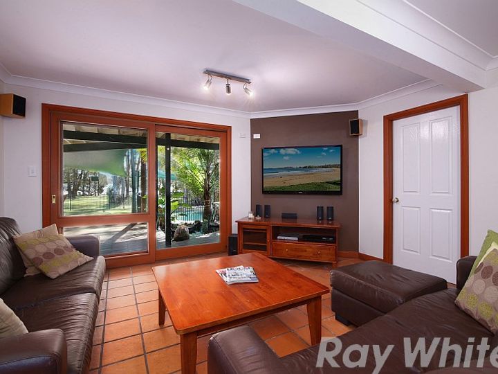 13 Lakeshore Avenue, Chain Valley Bay, NSW