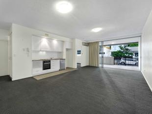 116m2 Courtyard Apartment * Low Body Corporate Levies * High Sinking Fund Amount - Newstead