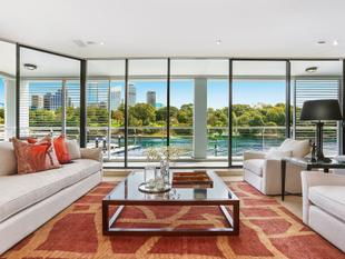 Exclusive Apartment In Iconic Harbourside Enclave - Woolloomooloo