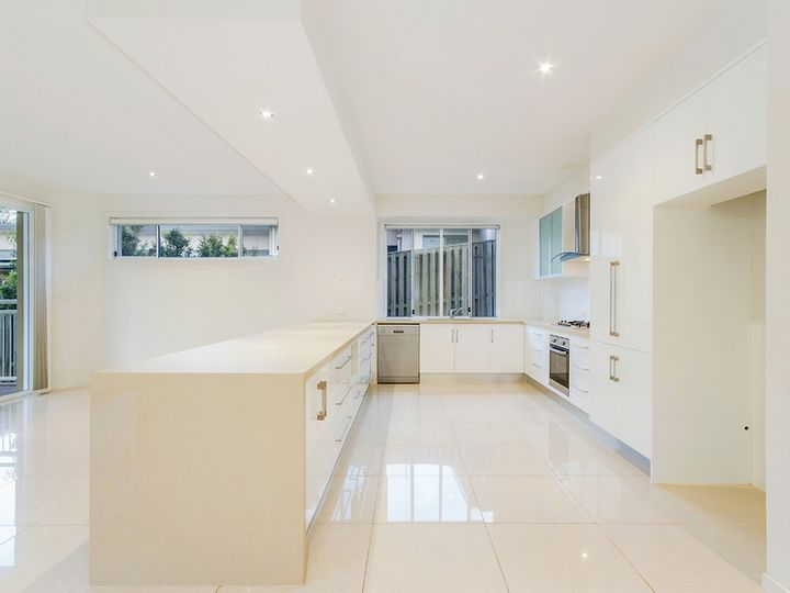 11 Katinka Circuit, Coomera Waters, QLD