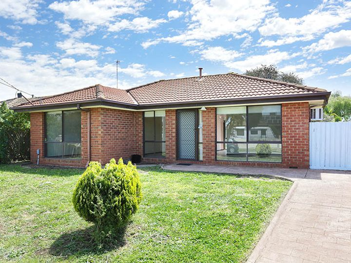 49 Hawkesbury Road, Werribee, VIC
