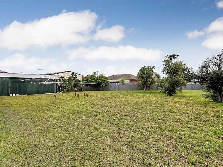 21 Barker Avenue, Findon, SA