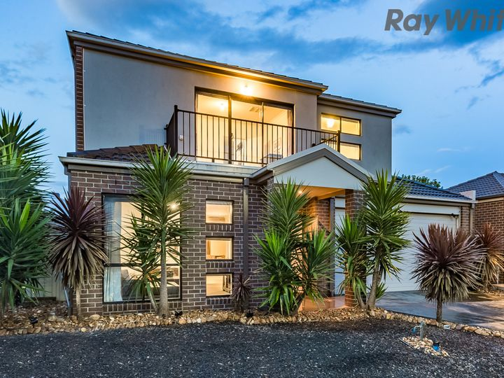 7 Hurlingham Place, Caroline Springs, VIC