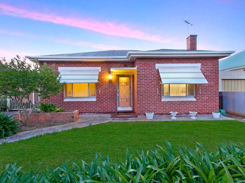 Broadview, 50 Robert Avenue