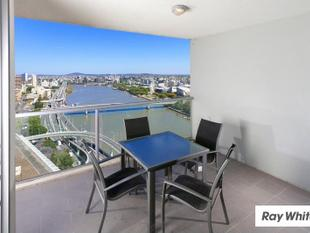 QUALITY LOCATION AND VIEWS - AT THIS PRICE ? - UNDER OFFER - Brisbane