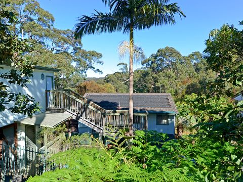 Umina Beach, 33 Castle Circuit