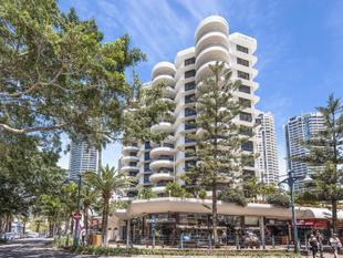 Central Surfers Paradise with Ocean views - Surfers Paradise