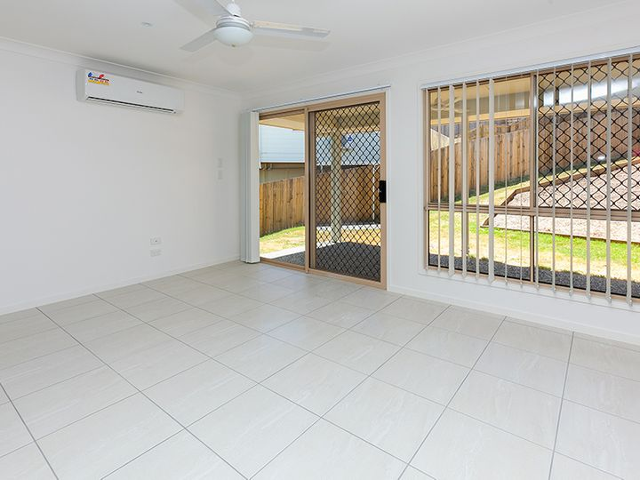 2/9 Groeschel Court, Goodna, QLD