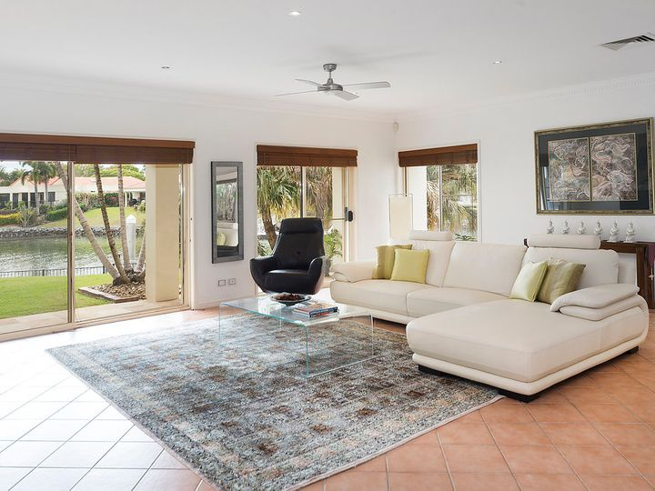 1076 Killymoon Drive, Hope Island, QLD
