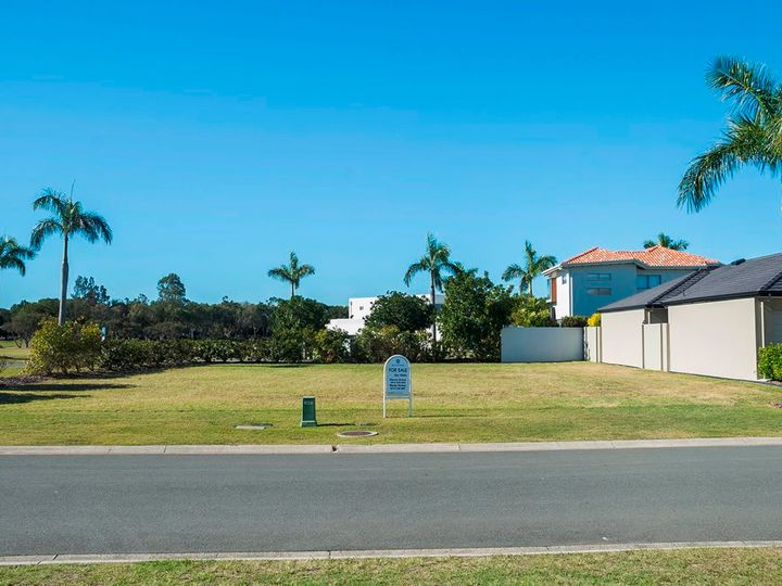 7687 Fairway Boulevard, Hope Island, QLD