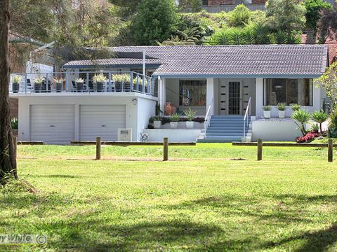 Forster, 34 Pipers Bay Drive