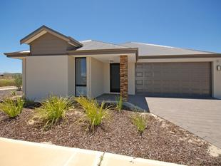 LOVELY IN BEACHRIDGE- WITH LARGE SHED - Jurien Bay