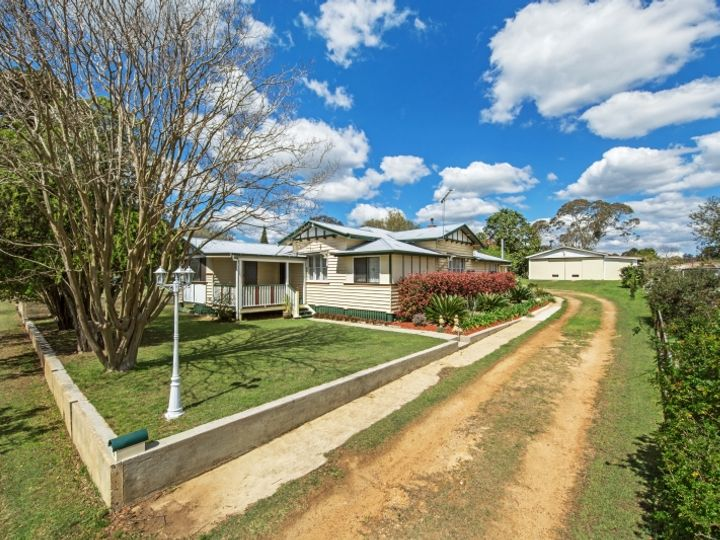 7 Albert Street, Crows Nest, QLD