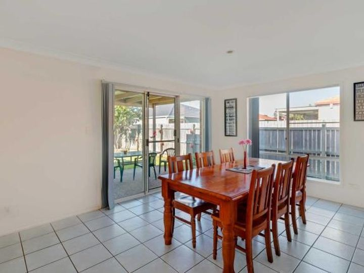 2a Coolabah Crescent, Bridgeman Downs, QLD