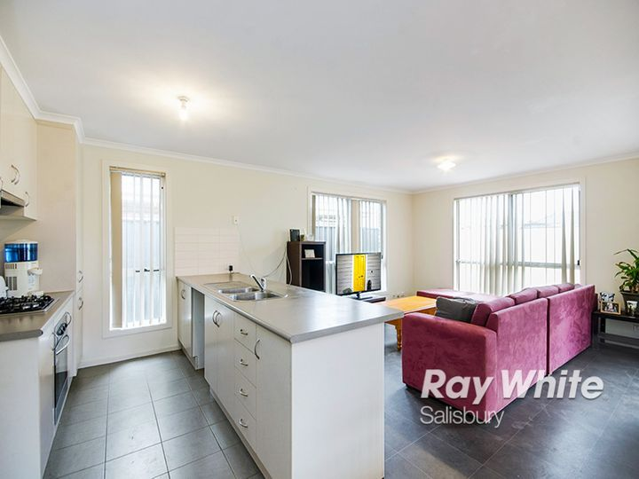 28 Oakwood Circuit, Munno Para West, SA