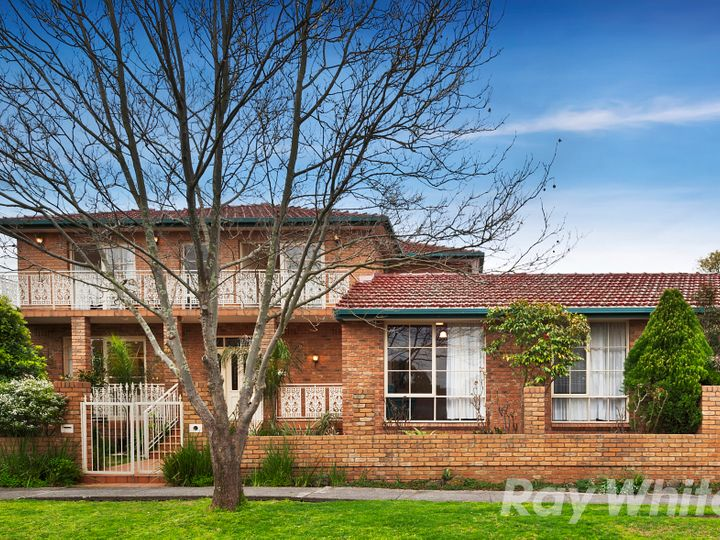 54 Watsons Road, Glen Waverley, VIC