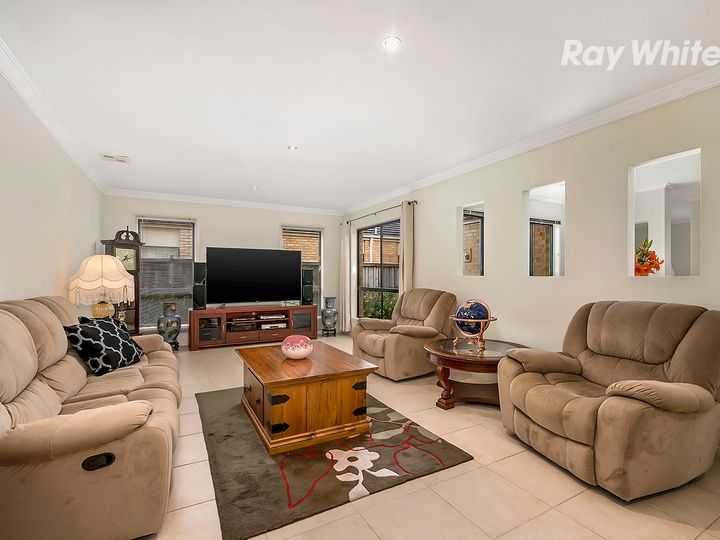 26 Broadwater Drive, Waterways, VIC