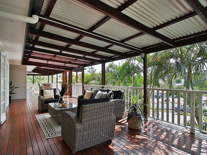 1 Galsworthy Street, Holland Park West, QLD