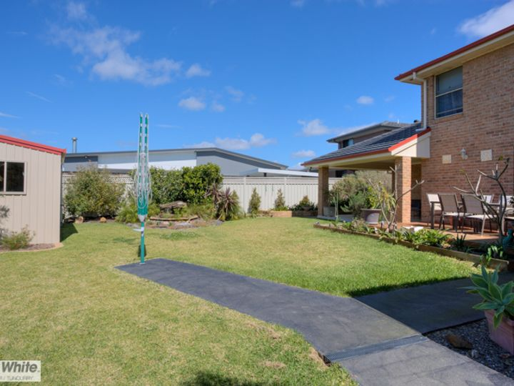 10 Wirrana Circuit, Forster, NSW
