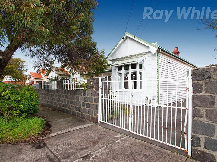 134 The Avenue, Coburg, VIC