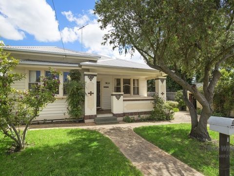 Geelong West, 7 Pineville Avenue