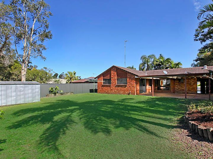 11 Canterbury Chase, Ashmore, QLD