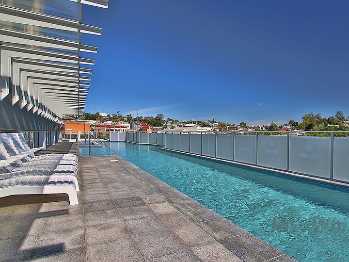 806 'Aspire Apartments' , 11 Ellenborough Street, Woodend, QLD