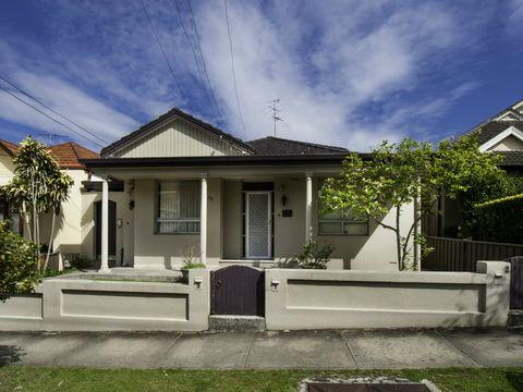 Randwick, 30 Canberra Street
