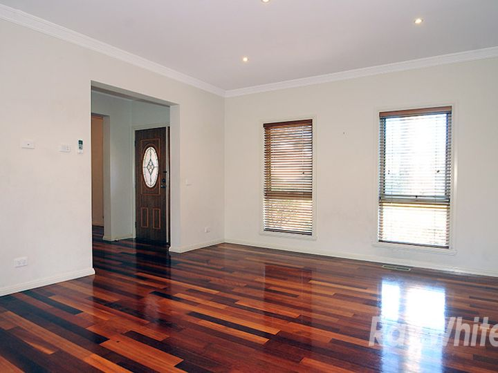 1/2 View Road, Glen Waverley, VIC