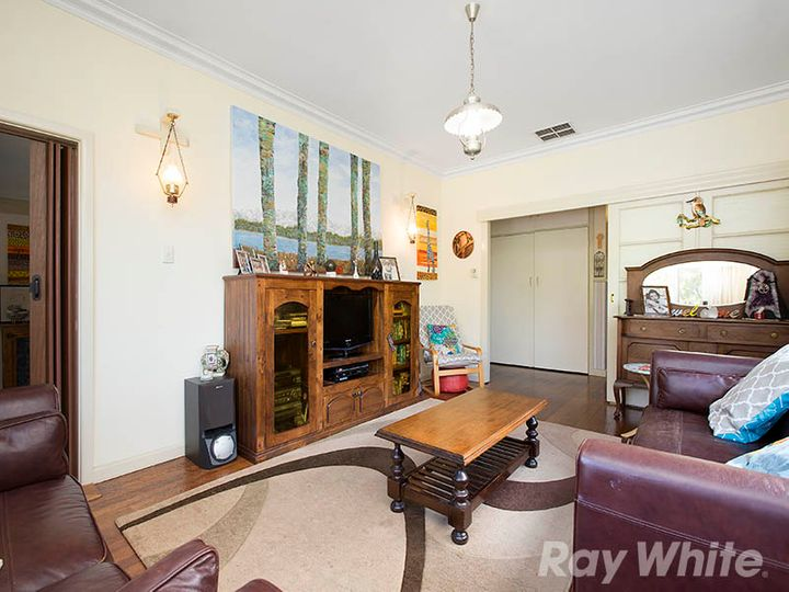 33 Schulz Street, Bentleigh East, VIC