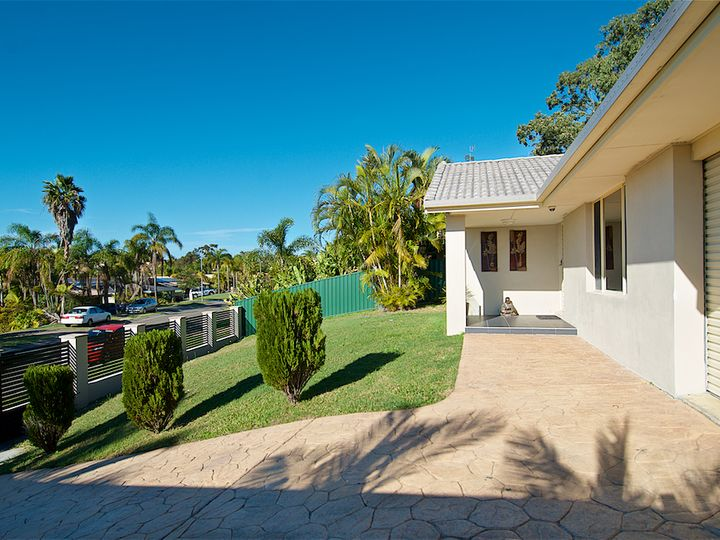 5 Chiffley Place, Arundel, QLD