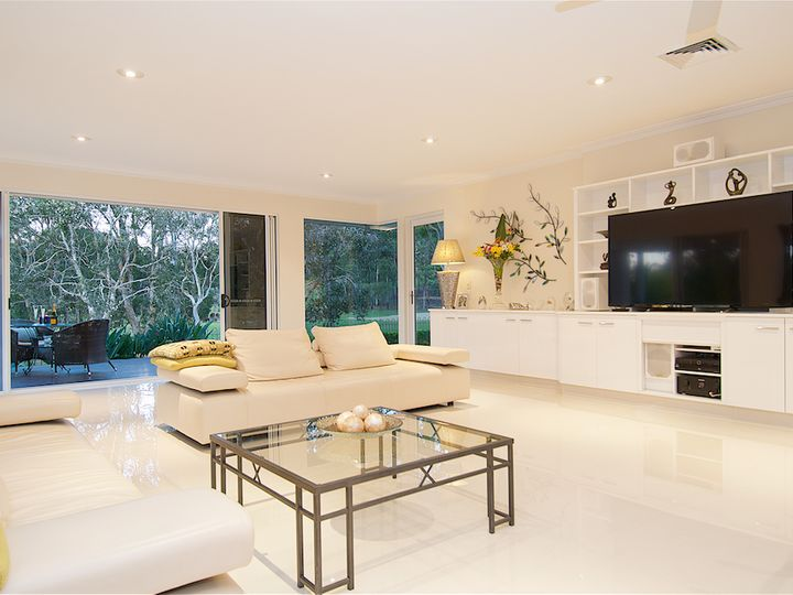 1 Jarvis Place, Arundel, QLD