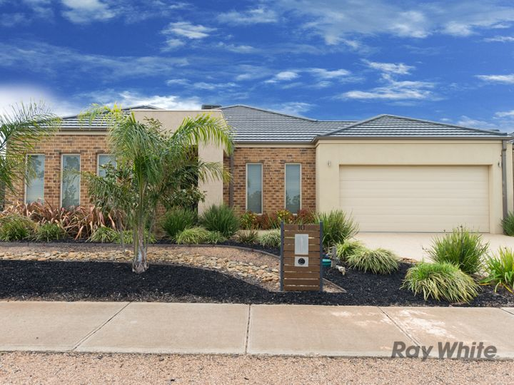 10 Manooka Road, Brookfield, VIC