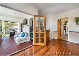 Queenslander with kitchenette & rumpus under - Allenstown