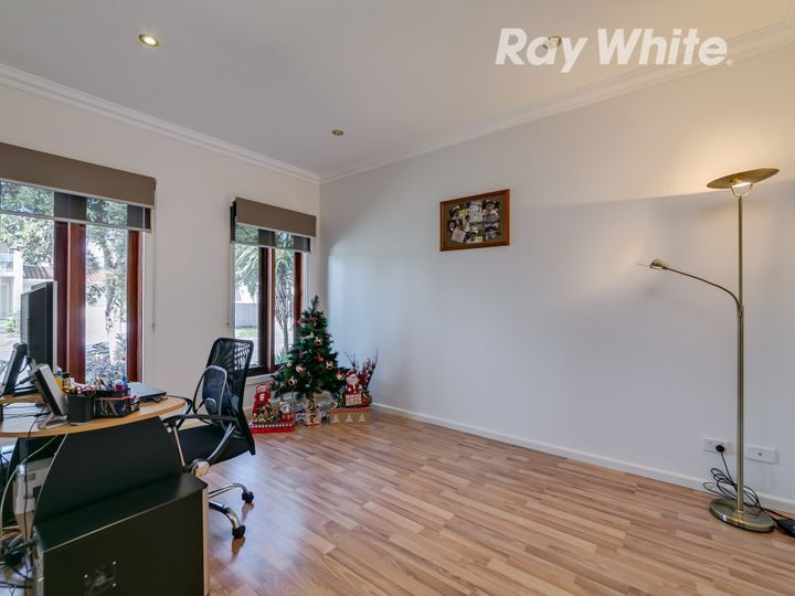 30 Greenfields Drive, Epping, VIC