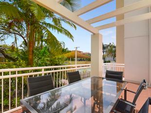 Oversized 2 bedroom in great location! - Surfers Paradise