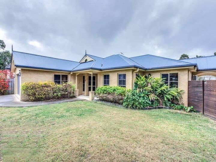57 Brookeside Crescent, Seventeen Mile Rocks, QLD